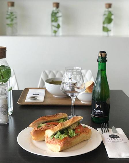 Madame Butterfly : Carte : Sandwiches et soupes